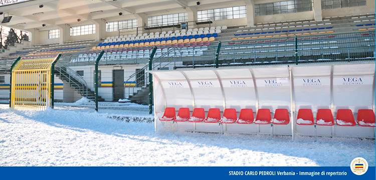 Lo Stadio Pedroli del Verbania Calcio sotto la neve