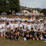 Verbania-Borgomanero: La squadra scesa in campo con i piccoli calciatori dell'Accademia Verbania