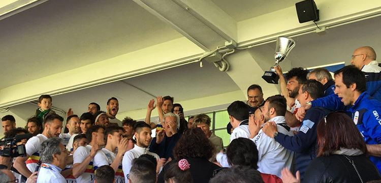 Il Verbania Calcio festeggia la Serie D