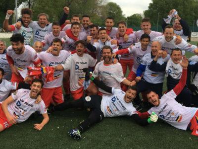 Verbania Calcio in Serie D: i giocatori e la dirigenza esultano per il traguardo raggiunto