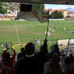 Tifosi esultanti sugli spalti dello Stadio Pedroli
