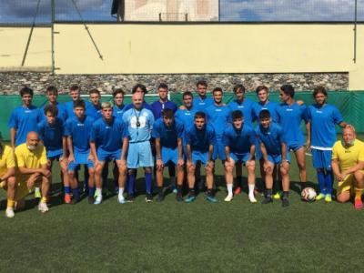 Verbania-Calcio-eccellenza-staff-tecnico-rosa-giocatori